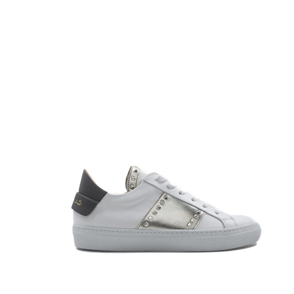 VIA ROMA 15 Sneaker donna biancaoro in pelle con borchie