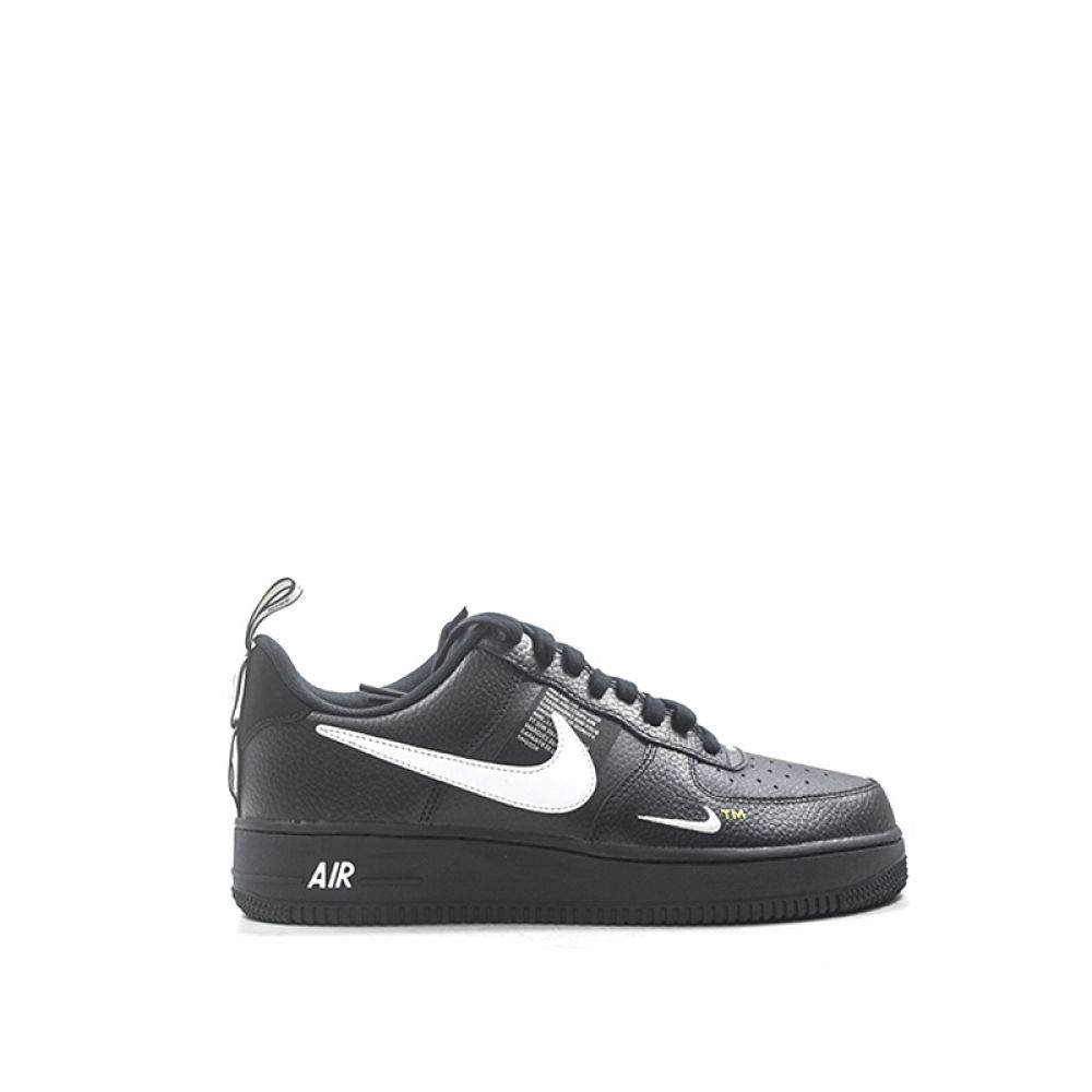 NIKE AIR FORCE 1 LV8 UTILITY Sneaker uomo nera in pelle
