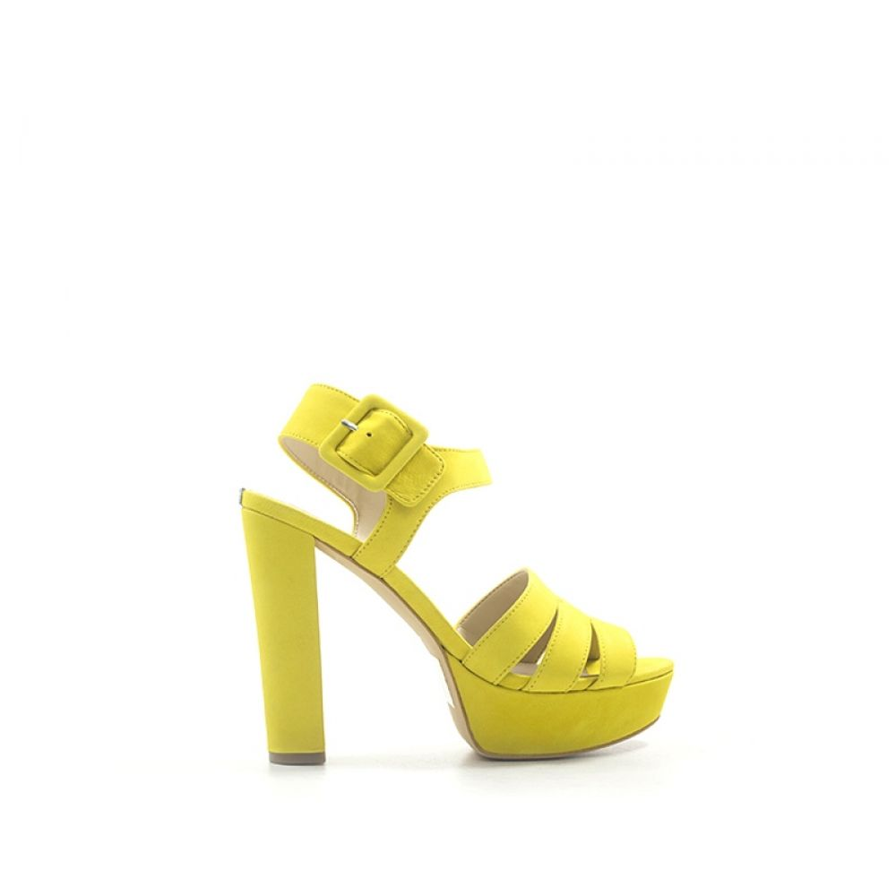 ca5b1c8af7 GUESS Sandalo alto donna giallo in pelle
