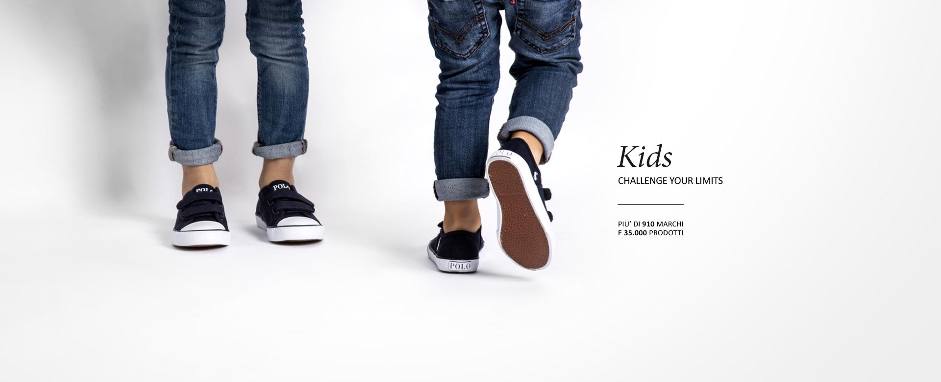 Immagine di Alice Soldi su Vans | Scarpe, Pantofole, Abiti